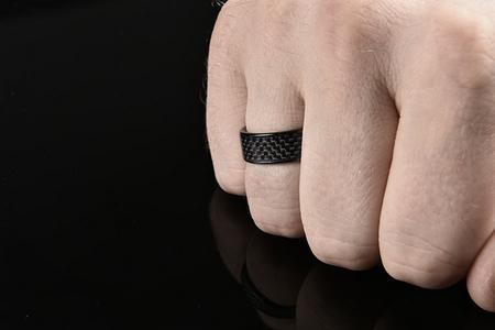 Kickstarter上众筹的NFC Ring二代2016年上市
